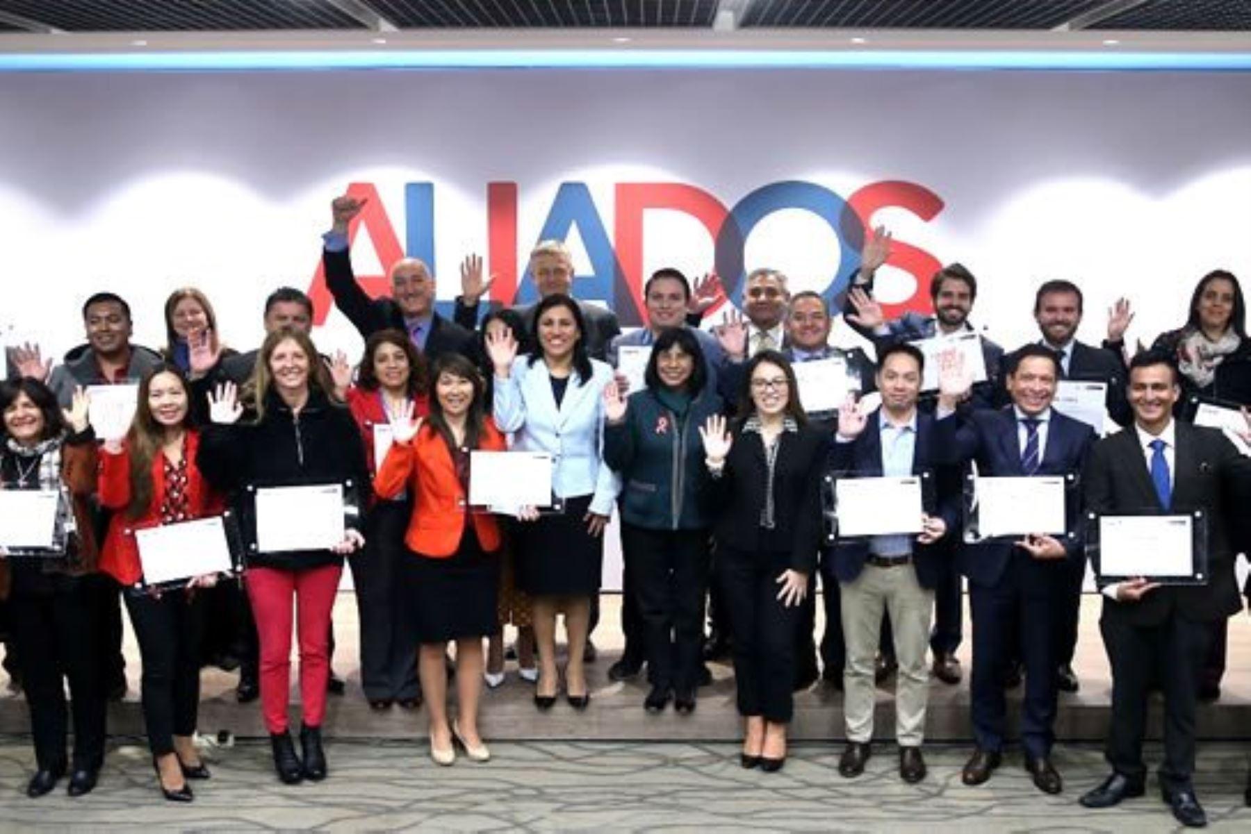 """Minedu reconoce a organizaciones """"Aliadas por la Educación"""". Foto: ANDINA/Difusión."""
