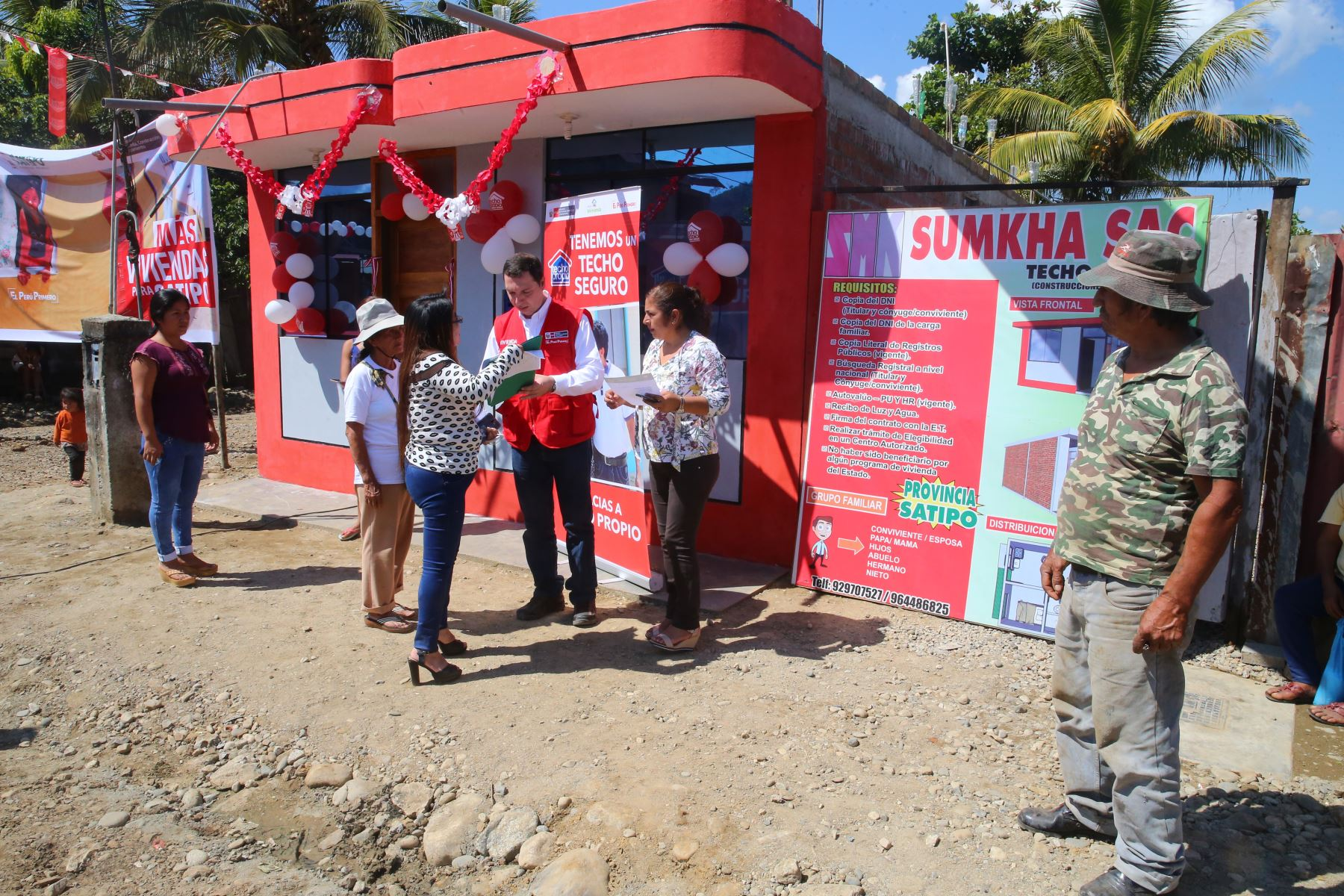 Entrega 62 viviendas a familias de bajos recursos en el VRAEM. Foto: ANDINA/ Vidal Tarqui