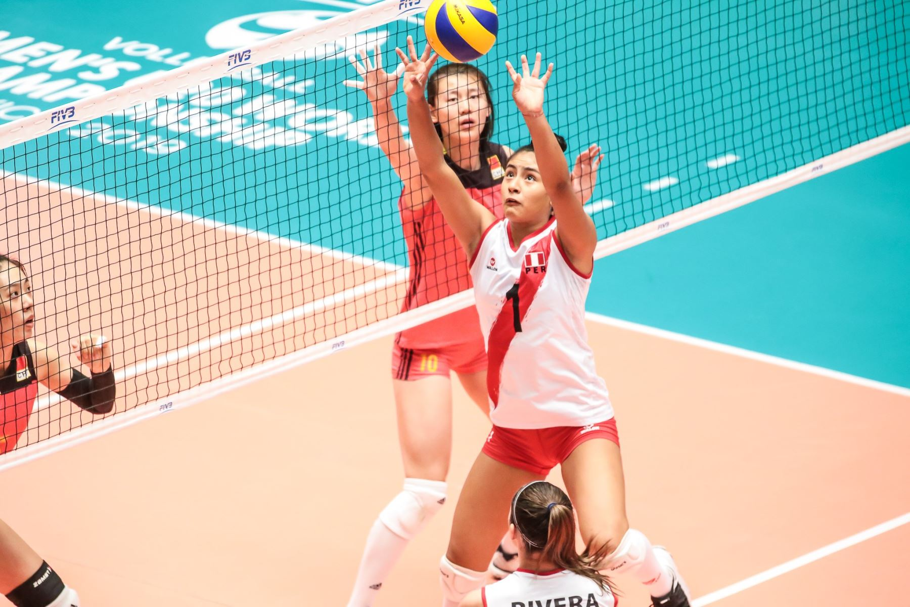 La selección peruana de vóley ganó 3-2 a China en su debut en el Mundial de Voleibol Sub 20 México 2019.Foto: ANDINA/FPV