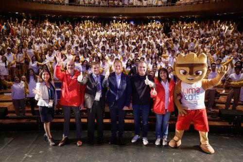 Primer ministro, Salvador del Solar y autoridades participan  en la juramentación de voluntarios a Lima 2019