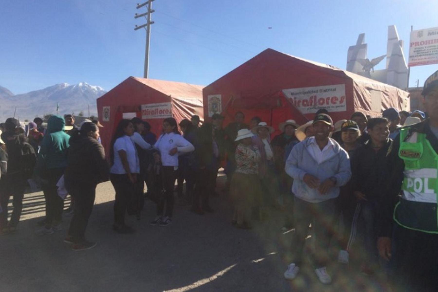 Más de 800 pobladores de cuatro distritos de Arequipa participaron hoy en el simulacro de evacuación por erupción del volcán Misti, organizado por el Centro de Operaciones de Emergencia Regional (COER).
