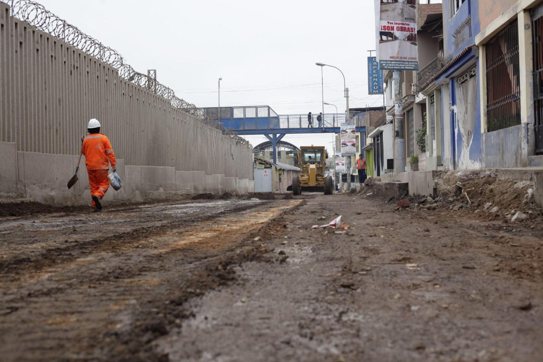 Construyen pistas de concreto en avenida La Unión, en VMT. Foto: Andina/Difusión