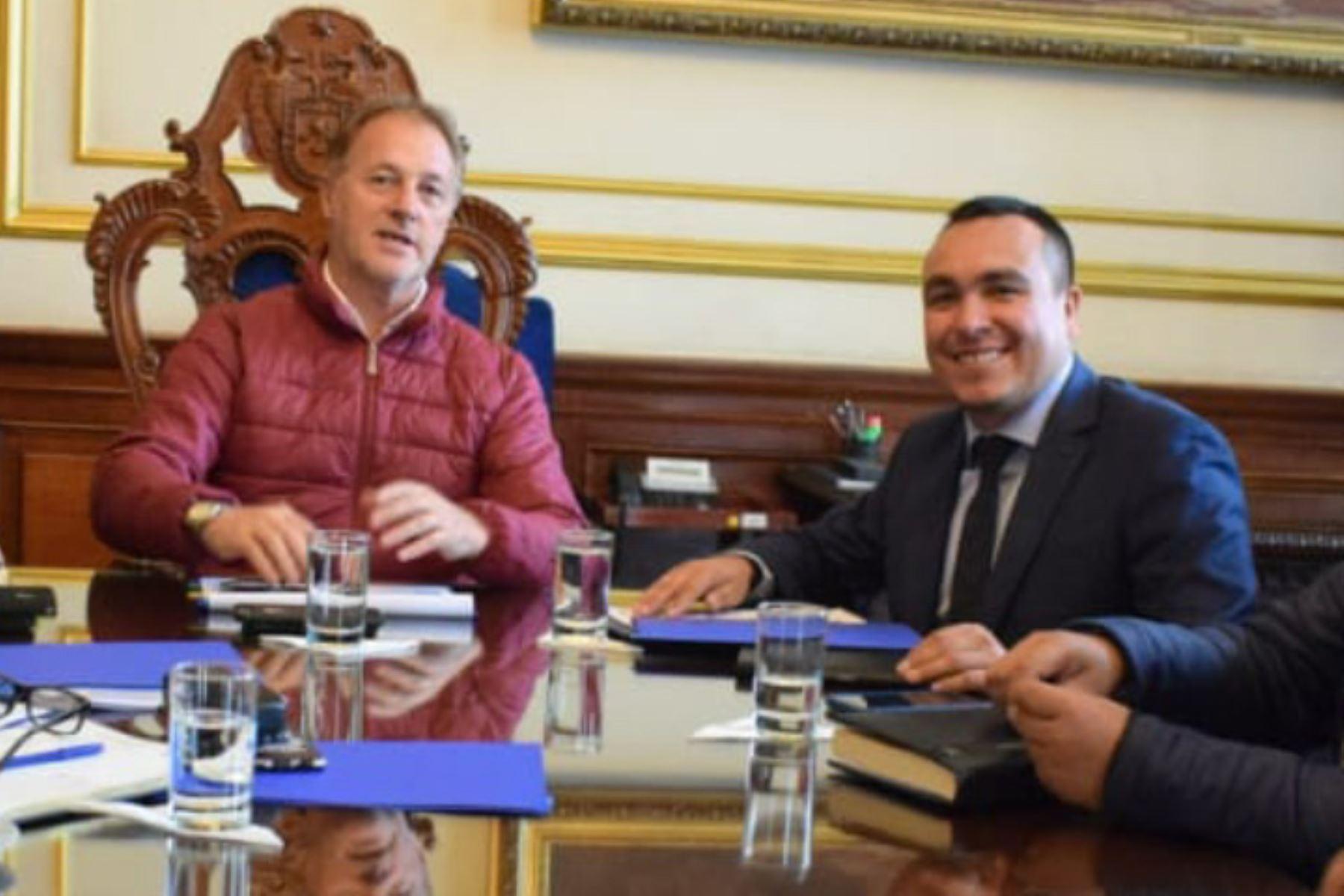 Reunión de alcaldes de Lima, Jorge Muñoz, y de Comas, Raúl Díaz. Foto: Andina/Difusión