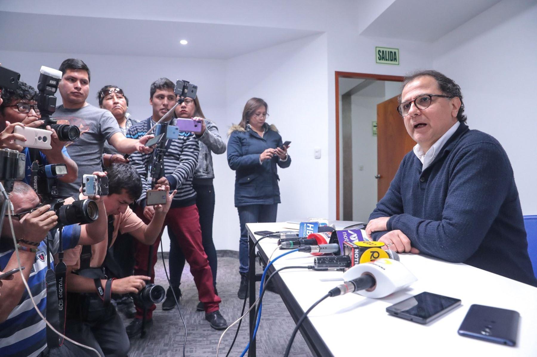 Ministro de Energía y Minas, Francisco Ísmodes en Arequipa. Foto: Cortesía.