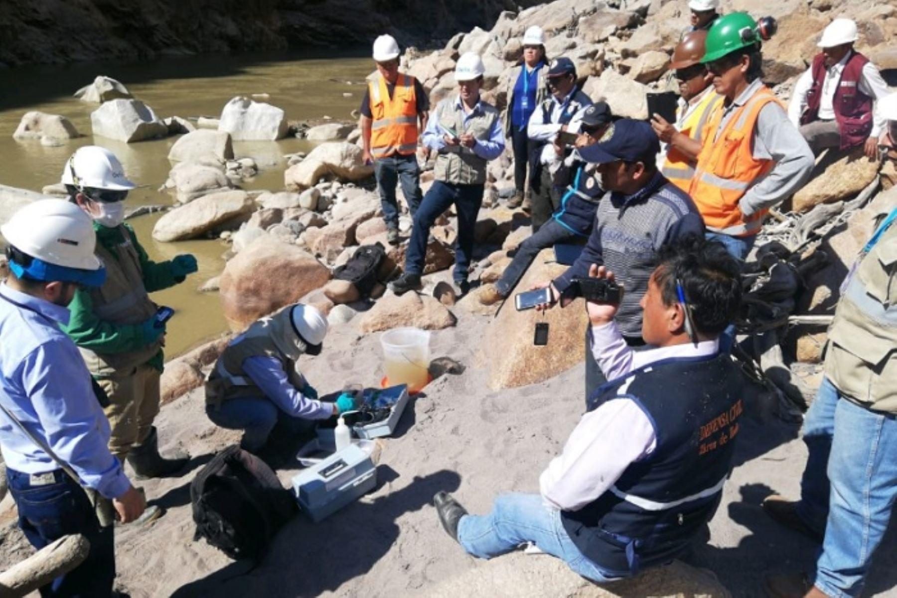 La Fiscalía Especializada en Materia Ambiental de Ayacucho-Huamanga abrió una investigación preliminar a la empresa minera Doe Run Perú y dispuso el retiro del material deslizado a consecuencia del relave minero del 10 de julio último, que habría afectado el río Mantaro y las inmediaciones del centro poblado de Expansión Cobriza, distrito de San Pedro de Coris, en Huancavelica.