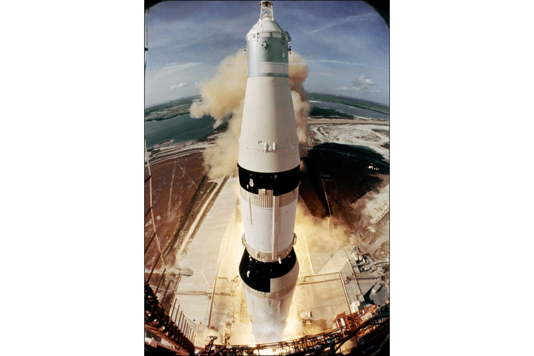 Fotografía tomada el 16 de julio de 1969 en el Centro Espacial Kennedy del lanzamiento del módulo lunar Apollo XI. Foto: AFP