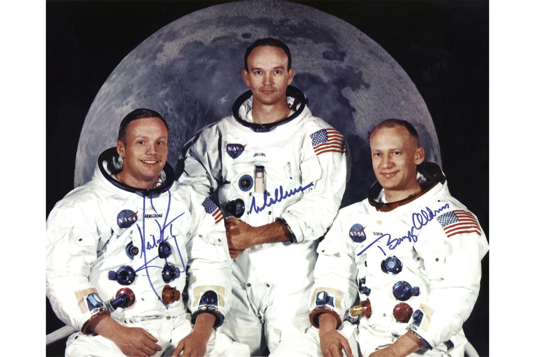 Foto publicada por la NASA muestra a la tripulación de la misión de aterrizaje lunar del Apolo 11, LR Neil Armstrong, comandante, Michael Collins, piloto del módulo de comando y Edwin E. Aldrin Jr, piloto del módulo lunar, 01 de mayo de 1969. Foto: AFP