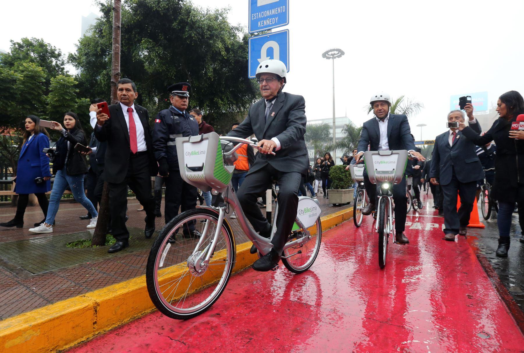Ceremonia de inauguración del primer servicio público de bicicletas en el Perú, CityBike Lima .Foto: ANDINA/Norman Córdova