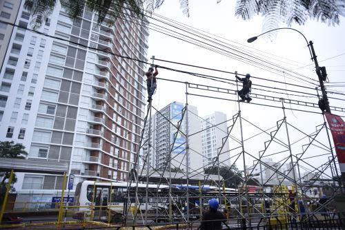 Inician instalación de graderías en av. Brasil para Gran Parada Cívico Militar