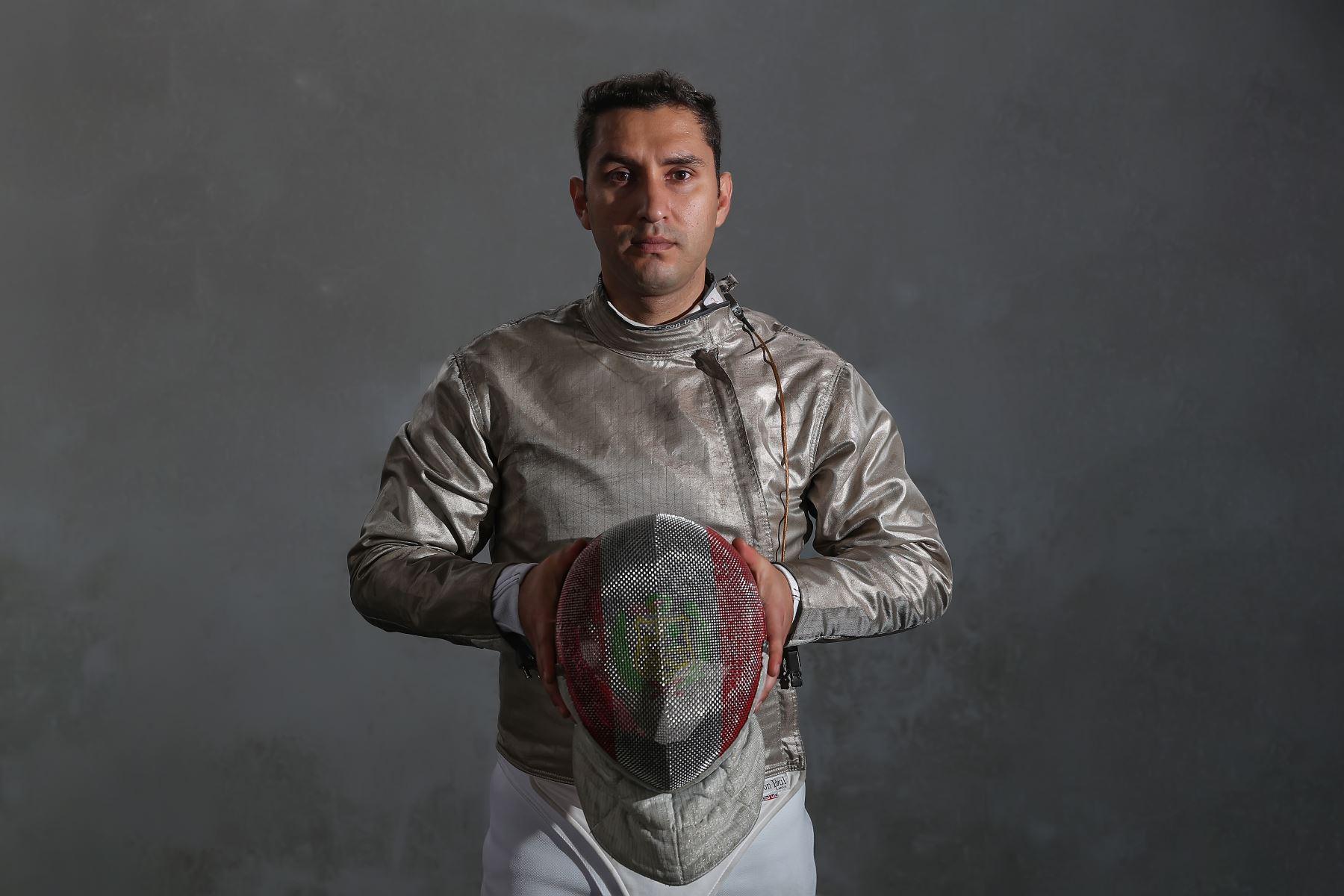 Deportistas militares clasificados a los juegos Panamericanos Lima 2019.  En esgrima participa el teniente 1° AP Ángel Adriel Torreblanca Alegría. Foto:MINDEF