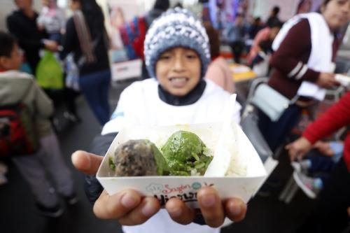 """El Instituto Nacional de Salud del Niño San Borja realizó un Food Truck denominado """"Sazón de Hierro"""" para combatir la anemia"""
