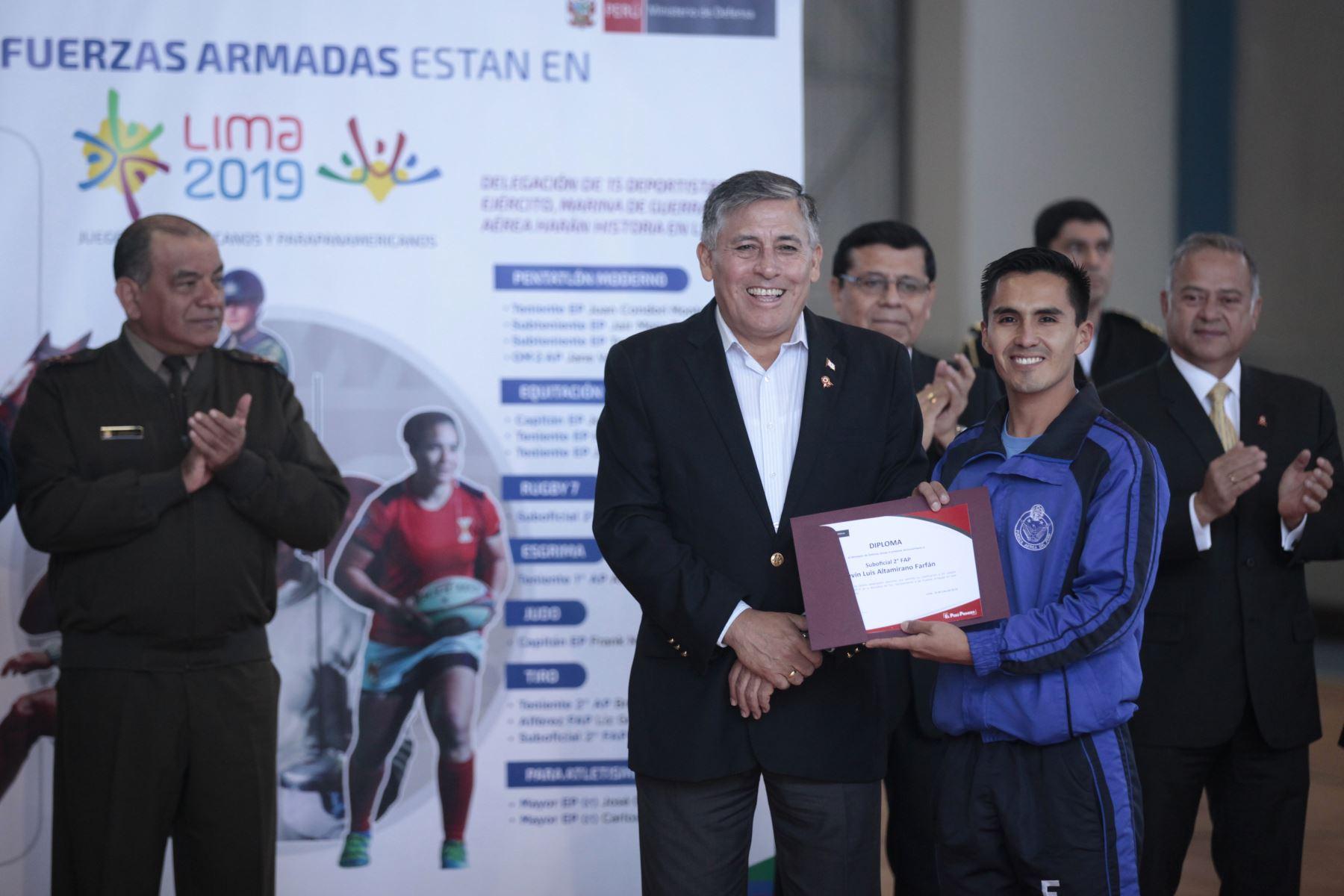 Ministro de Defensa presenta deportistas militares clasificados a los Juegos Panamericanos Lima 2019. Kevin Altamirano Farfán, deportista. Foto: ANDINA/Miguel Mejía Castro