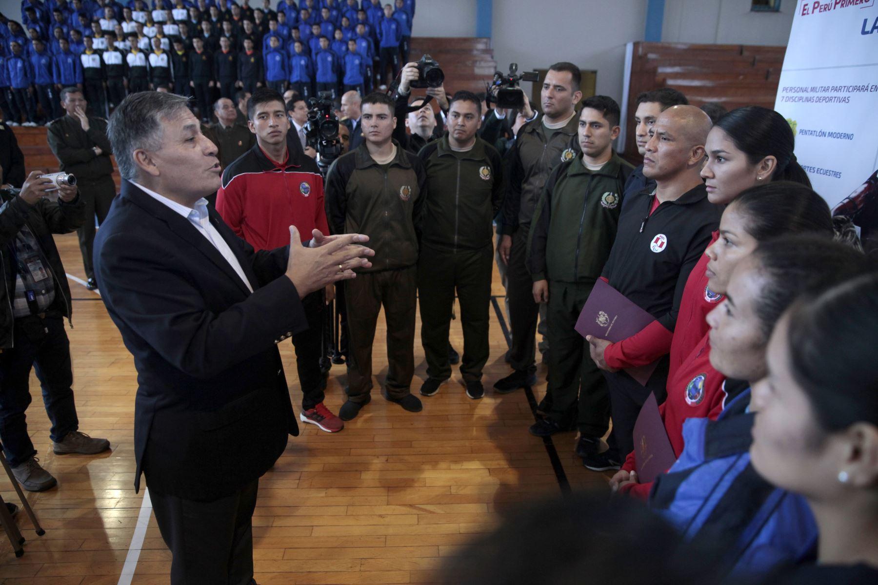 Ministro de Defensa, Jorge Moscoso, presenta deportistas militares clasificados a los Juegos Panamericanos Lima 2019.  Foto: ANDINA/Miguel Mejía Castro