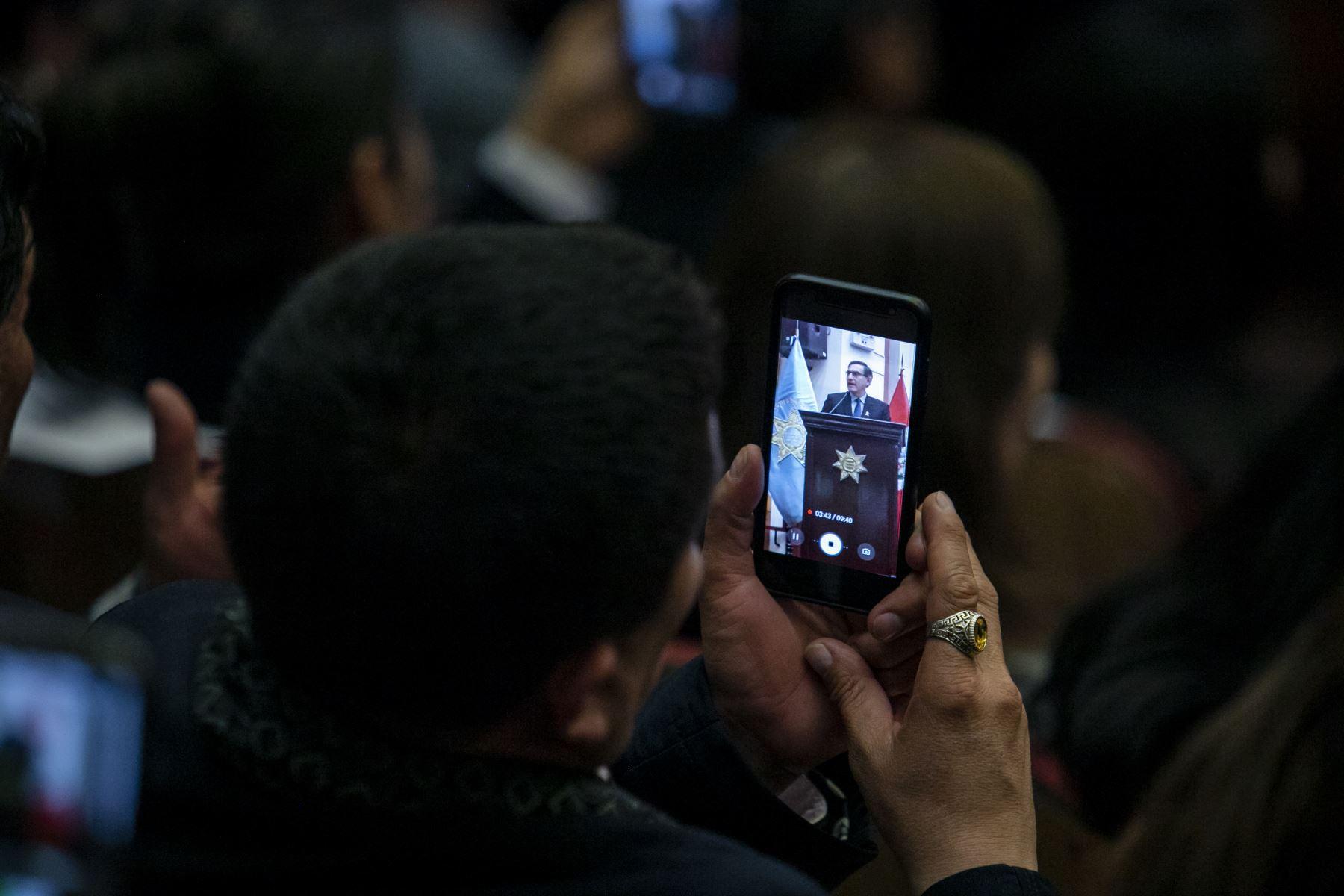 """Jefe de Estado, Martín Vizcarra asiste al Foro """"Lucha Contra la Corrupción y Gobernabilidad rumbo al Bicentenario"""". Foto. Prensa Presidencia"""