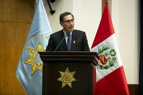 """Presidente  Vizcarra asiste al Foro """"Lucha Contra la Corrupción y Gobernabilidad rumbo al Bicentenario"""""""