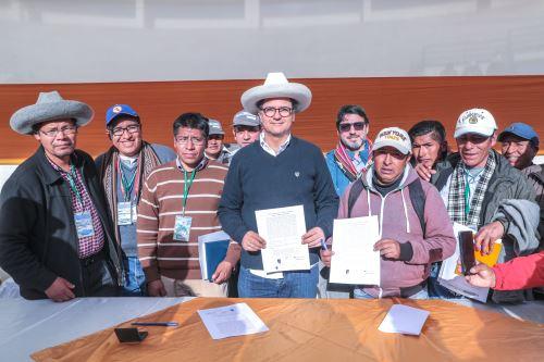 Ministro de Energía y Minas  se reúne con miembros de la Comisión Multisectorial para el desarrollo de Cotabambas
