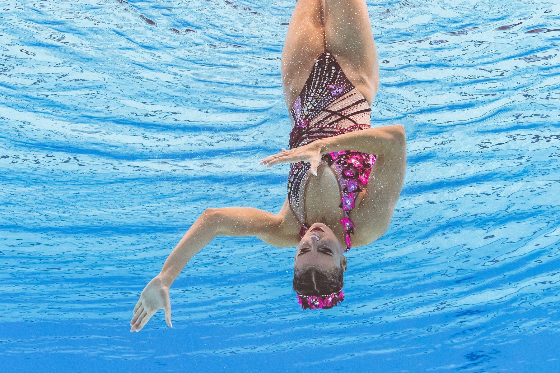 Vasiliki Alexandri de Austria compite en el evento de natación artística durante el campeonato mundial 2019 en Corea del Sur. Foto: AFP