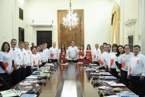 Visita al Consejo de Ministros de los voluntarios de Ponle Corazón