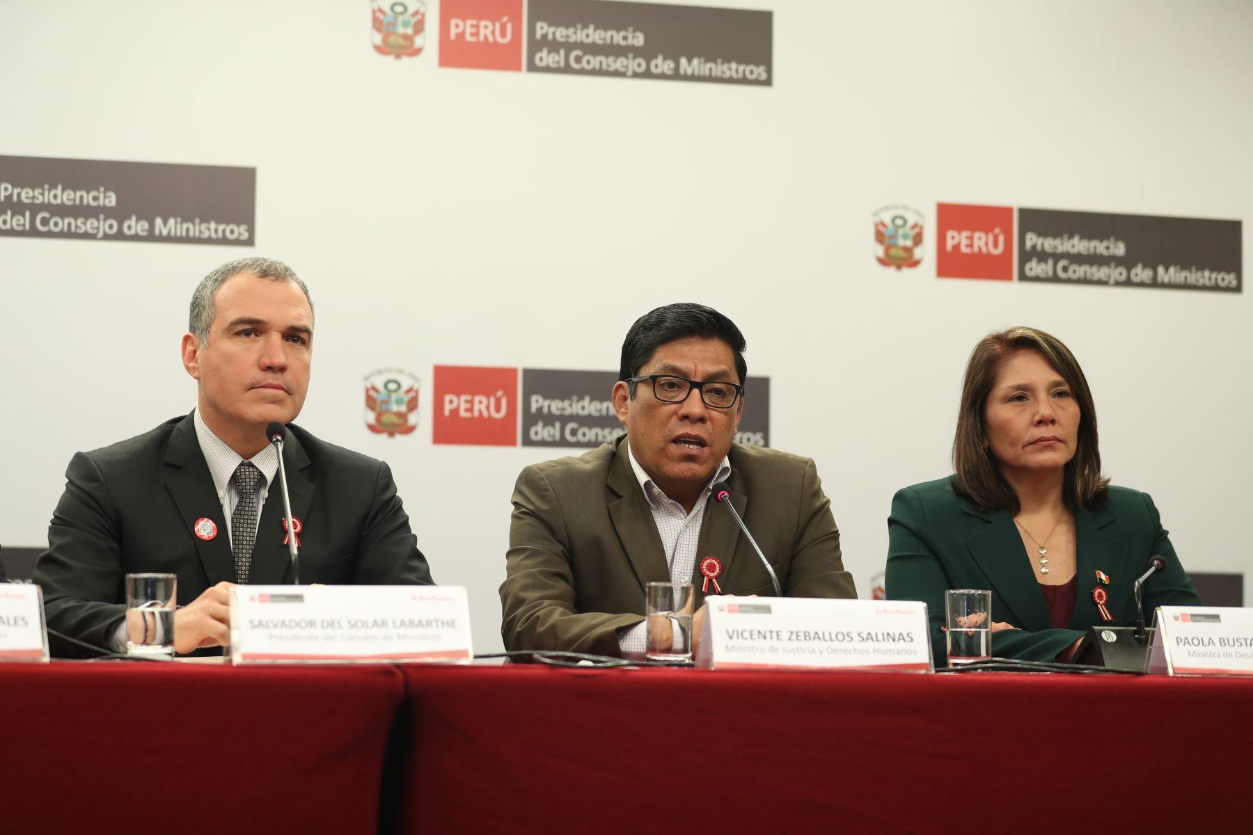 Primer ministro, Salvador del Solar brinda conferencia de prensa para abordar temas de la coyuntura nacional luego de la reunión del Consejo de Ministros. Foto: ANDINA/Prensa Presidencia