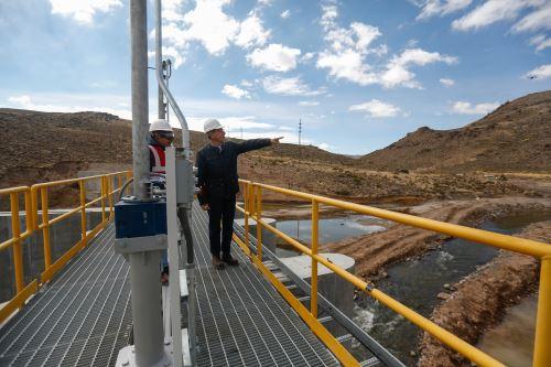 Presidente Vizcarra supervisa la planta de bombeo de Chilota Chincune en Moquegua