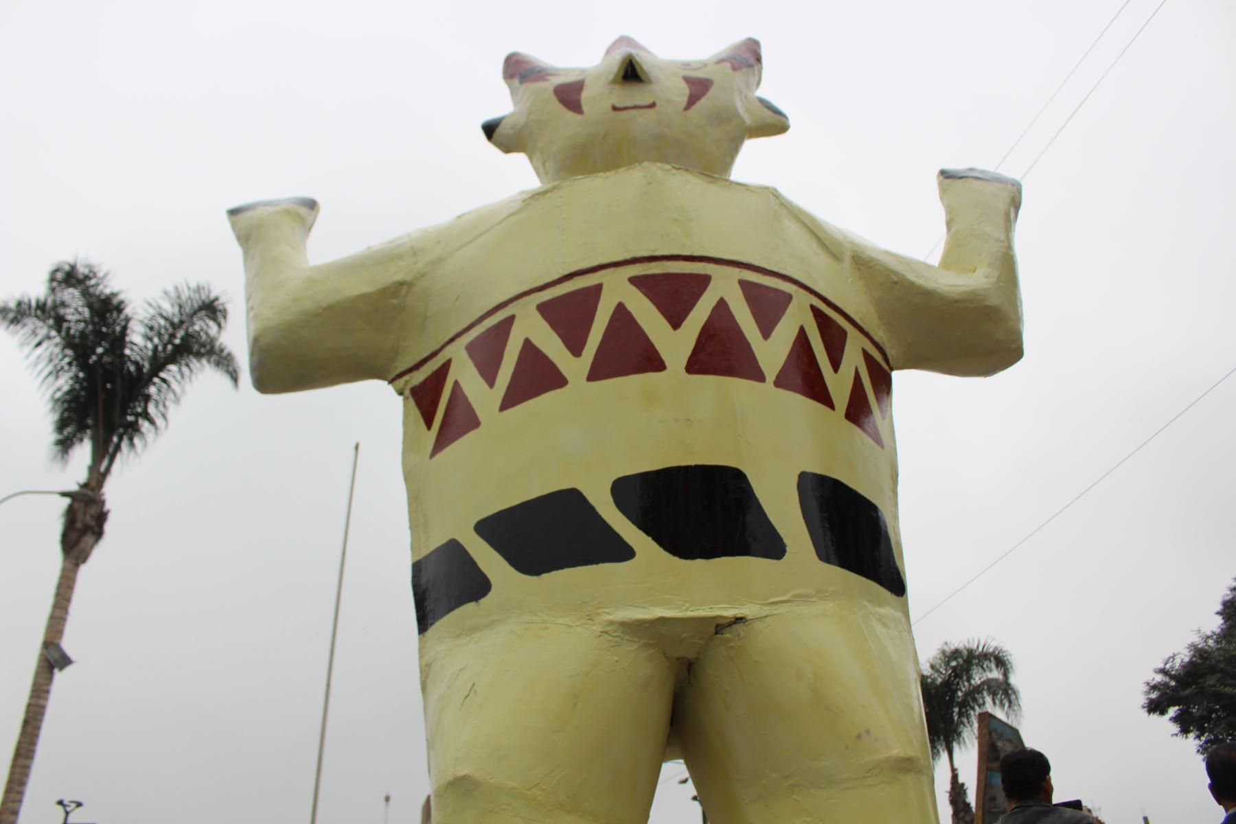 Un cuchimilco de 5 metros de alto, el más grande del país, fue inaugurado en la ciudad de Huaral. Foto: ANDINA/Difusión