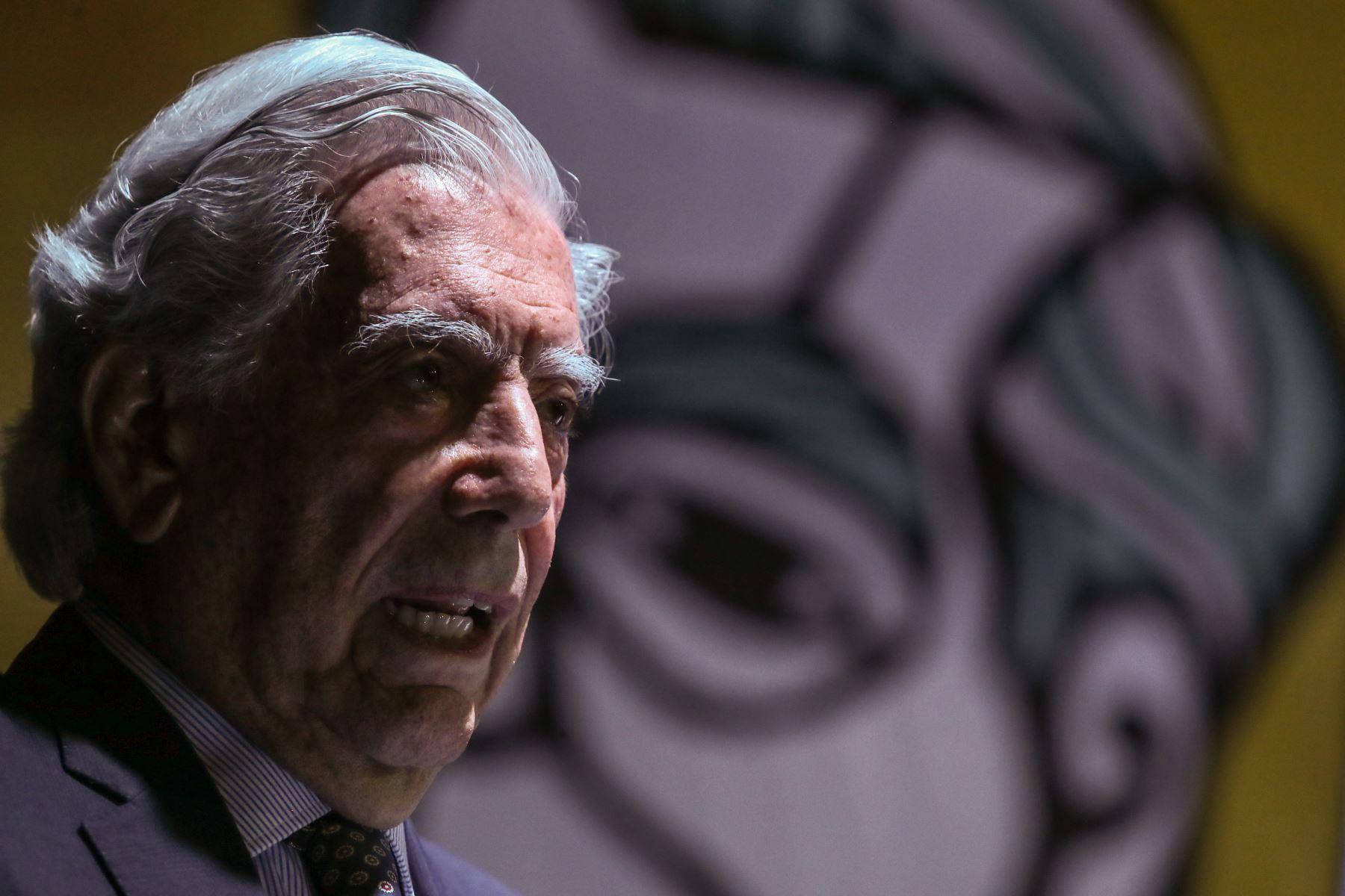 Mario Vargas Llosa, premio Nobel de Literatura, participo en la ceremonia de inauguración de la 24ª Feria Internacional del Libro de Lima.FotoANDINA/Prensa Presidencia