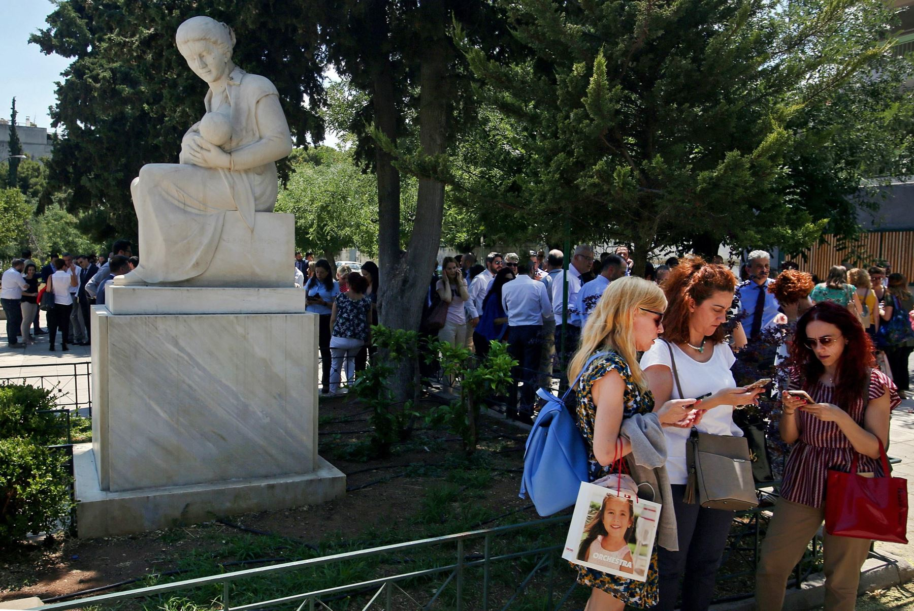 Un terremoto de magnitud 5,1 en la escala de Richter sacudió este mediodía la capital de Grecia. Foto: EFE