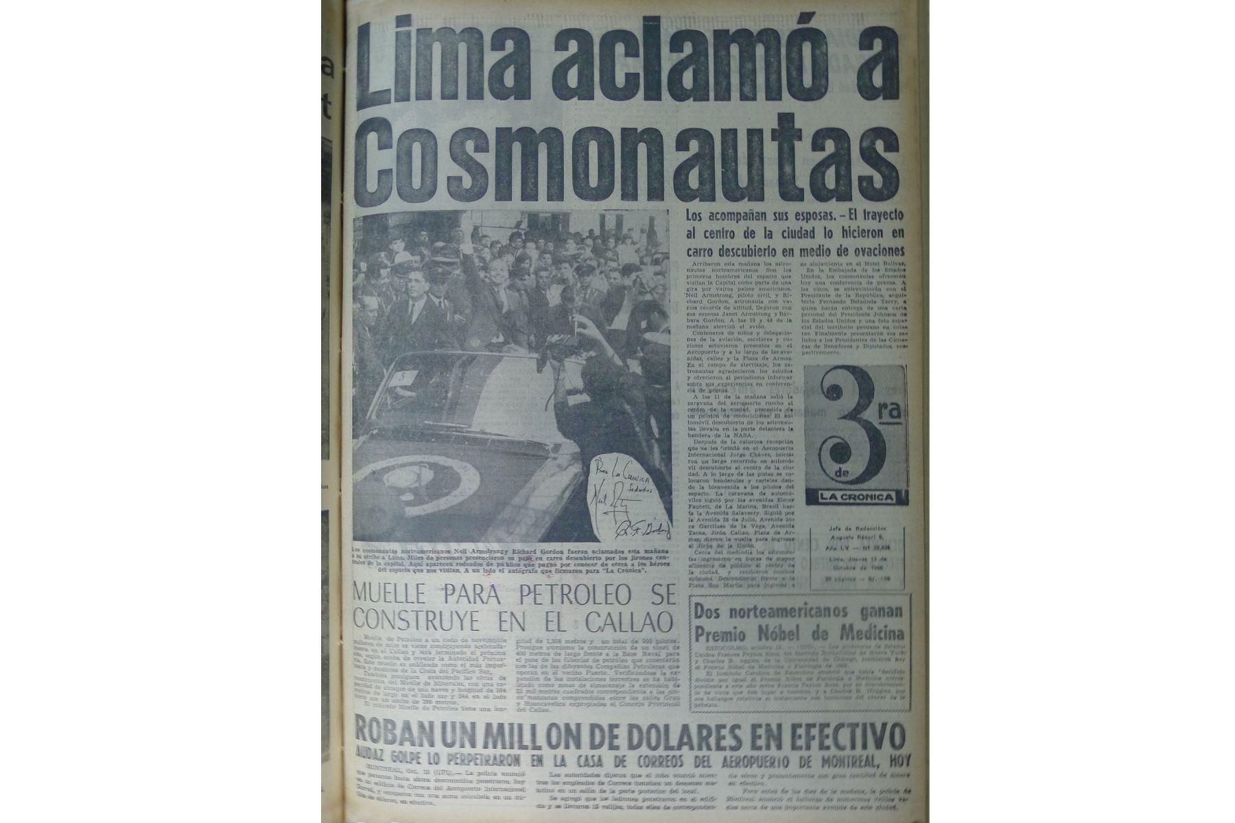 Lima 14 octubre 1966 / Portada del Diario La Crónica que informó sobre la llegada de los astronautas Richard Gordon y Neil Armstrong, quienes visitan Lima en compañía de sus esposas. Foto: Archivo Histórico de EL PERUANO