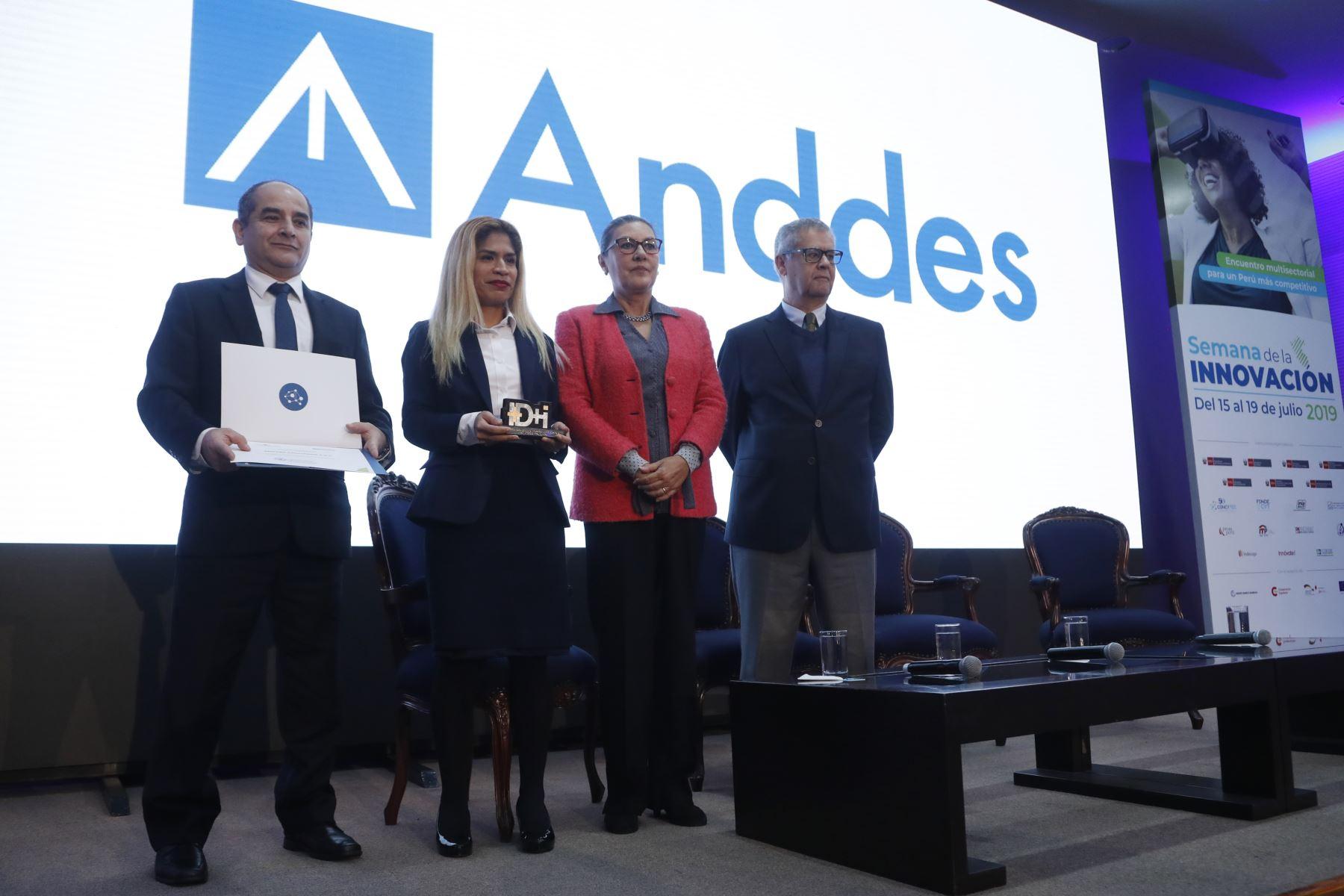 Reconocimiento a la empresa Andes, en la Semana Nacional de la Innovación. Foto: ANDINA/Josue Ramos