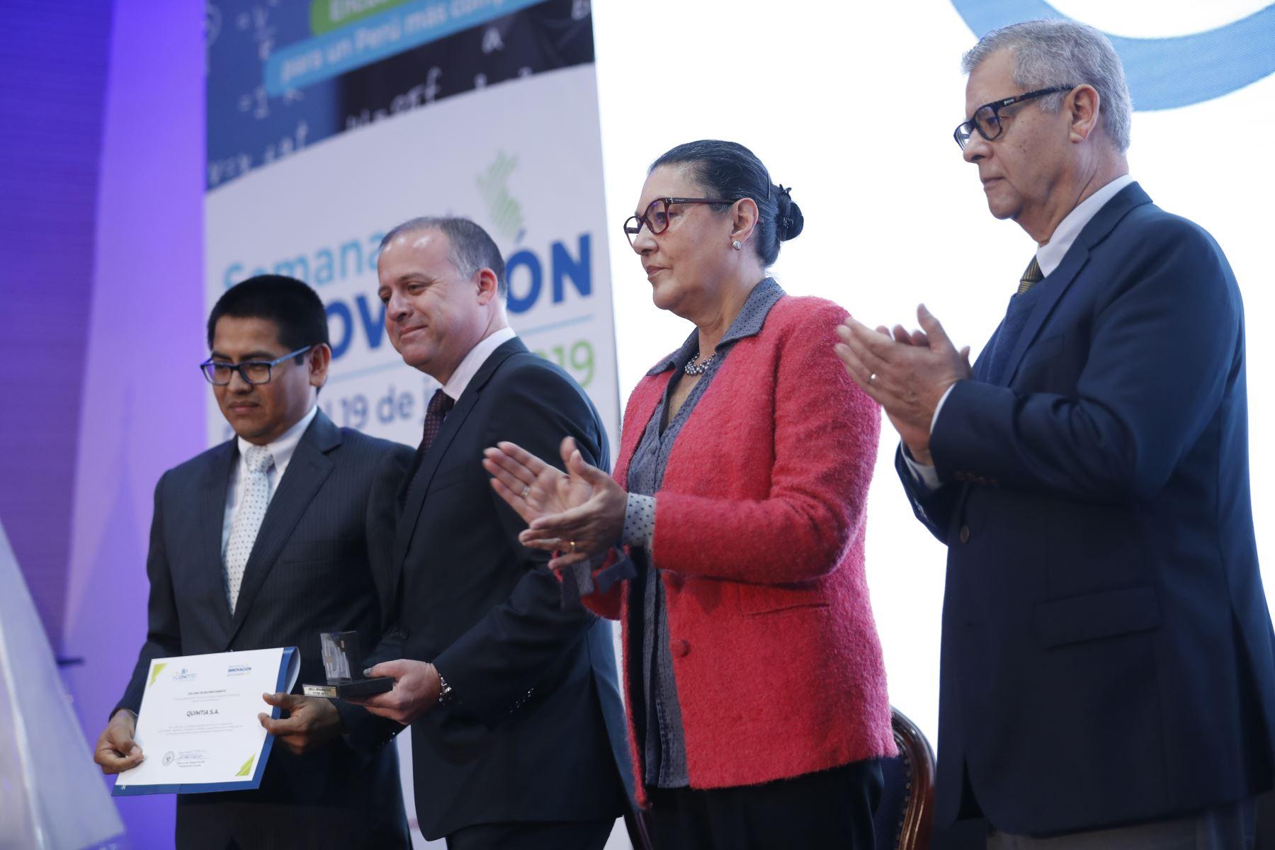 Presentación  de las conclusiones de la Semana Nacional de la Innovación y reconocimiento a 15 empresas innovadoras. Foto: ANDINA/Josue Ramos