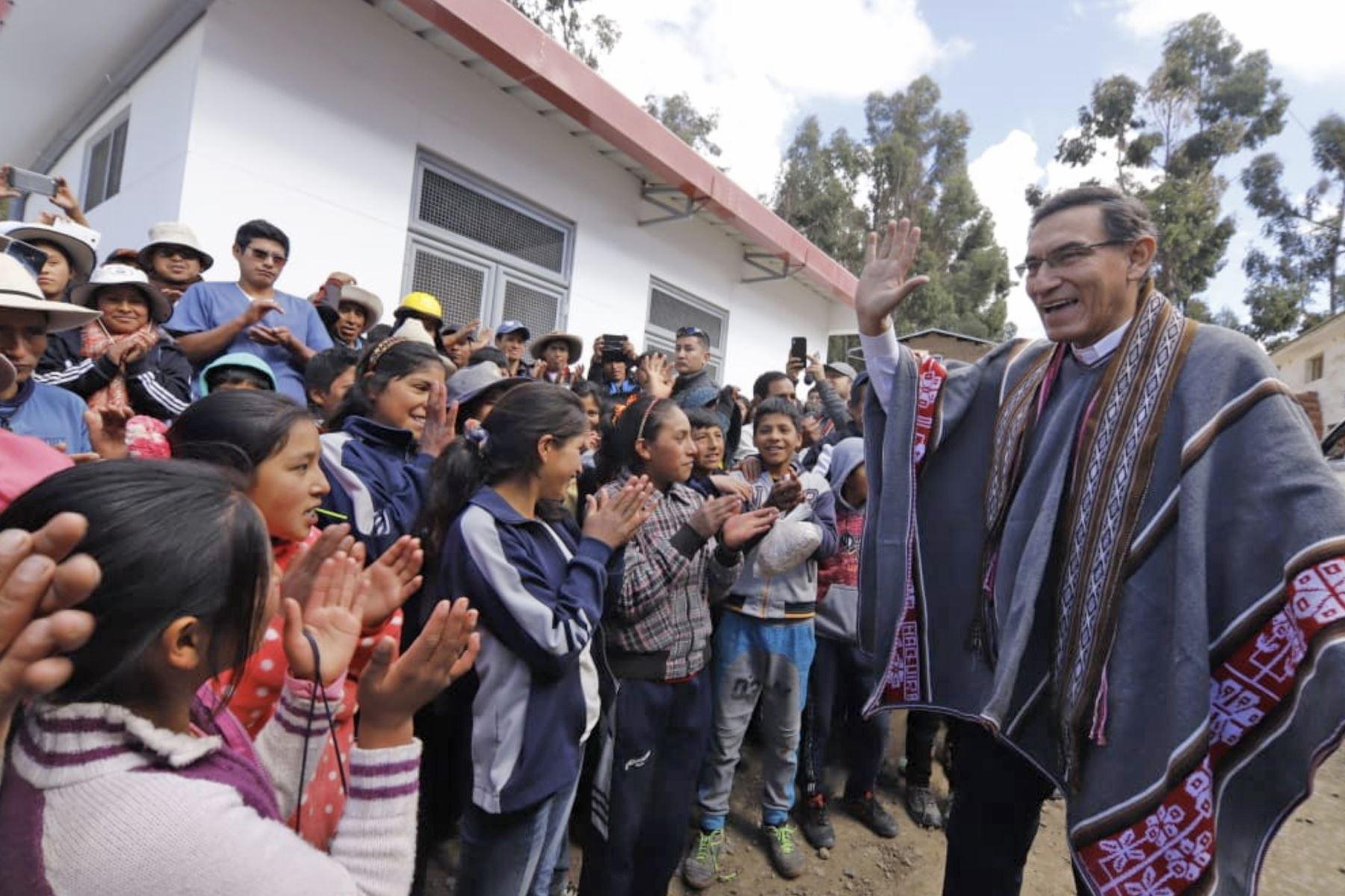 Presidente Martín Vizcarra realiza visita de inspección al Centro de Salud de Huaquira en Apurímac Foto: ANDINA/Prensa Presidencia