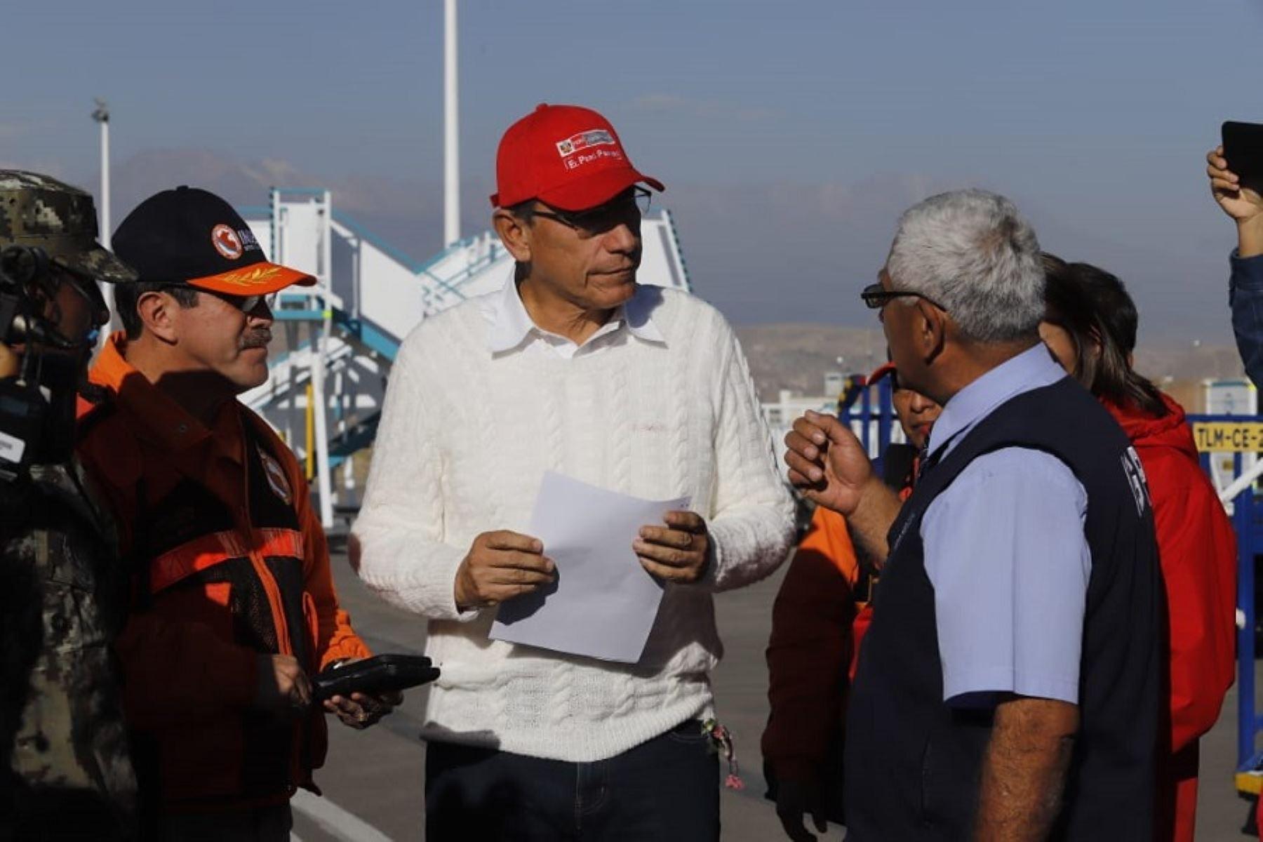 Jefe del Estado, Martín Vizcarra, inspeccionó atención a poblaciones afectadas por el volcán Ubinas.