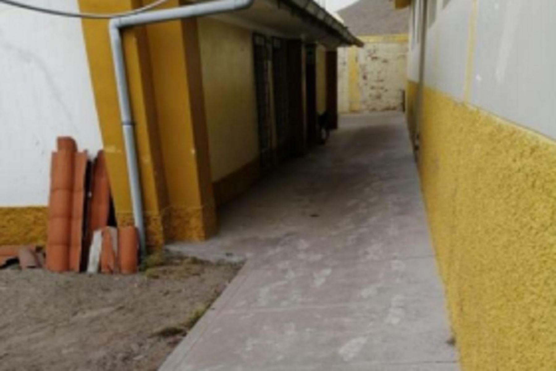 El Ministerio de Educación (Minedu) suspendió las clases en 62 escuelas de las regiones Moquegua, Arequipa y Puno para preservar la integridad física de 1157 alumnos,  tras la dispersión de ceniza por explosión en el volcán Ubinas, informó el Centro de Operaciones de Emergencia Nacional (COEN).