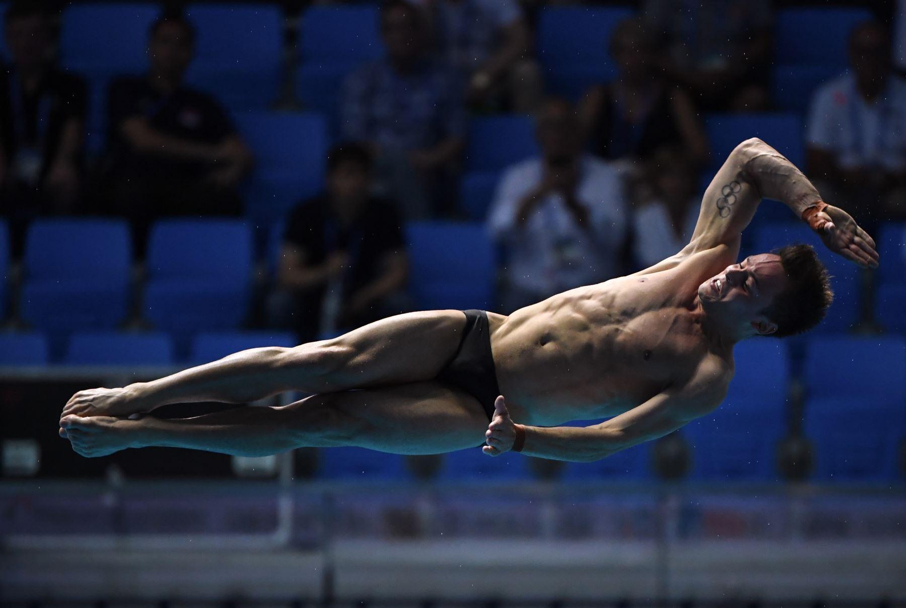 Thomas Daley de Gran Bretaña compite en la final de 10 m de plataforma de buceo para hombres durante los Campeonatos Mundiales de 2019 en el Nambu International Aquatics Center en Gwangju. AFP