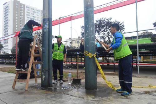 Fiestas Patrias: limpian la av. Brasil para la Gran Parada Cívico Militar. Foto: ANDINA/Difusión.