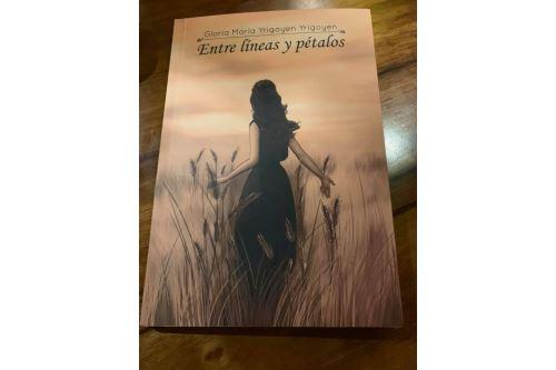 """Poemario """"Entre líneas y pétalos"""". Foto ANDINA/Difusión"""