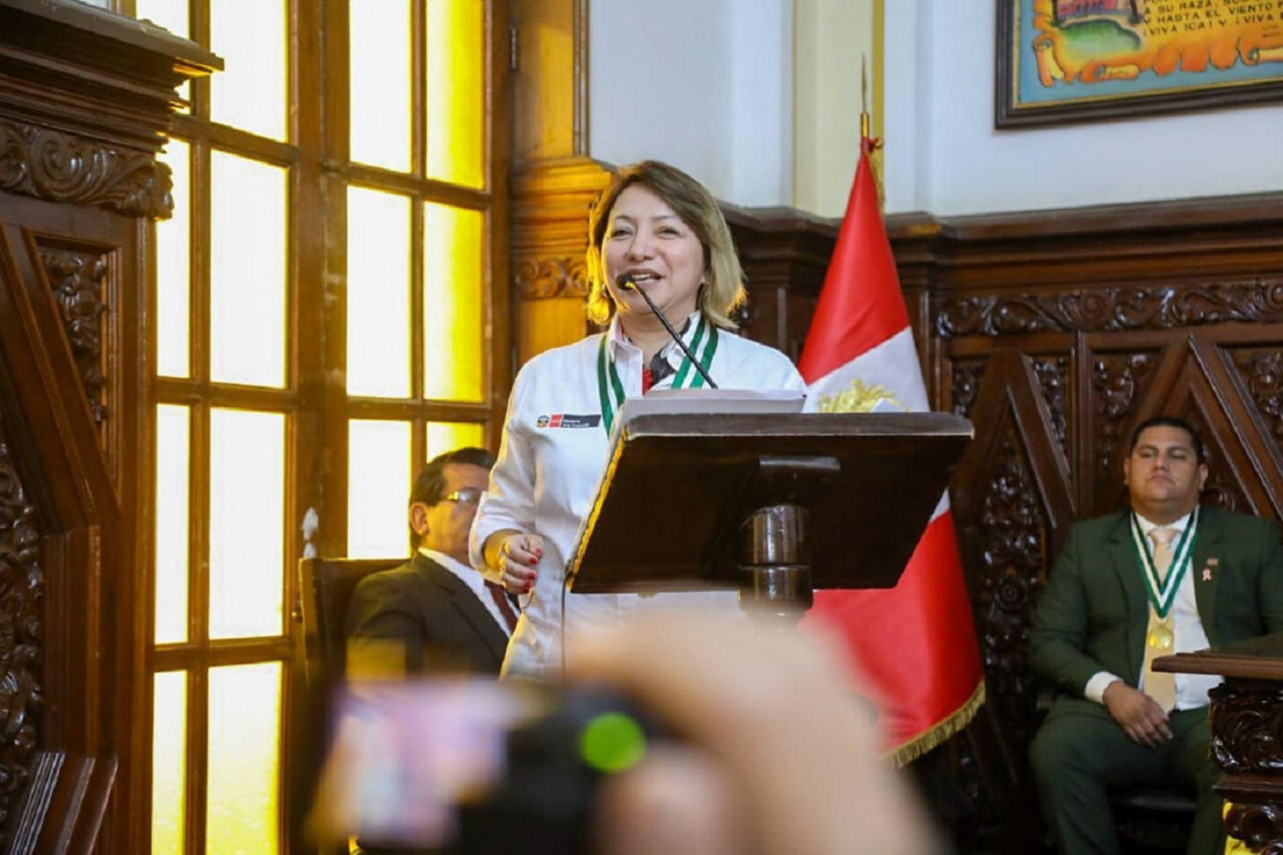 Ministra de la Producción, Rocío Barrios anuncia celebraciones por el Día del Pisco. Foto: Cortesía.