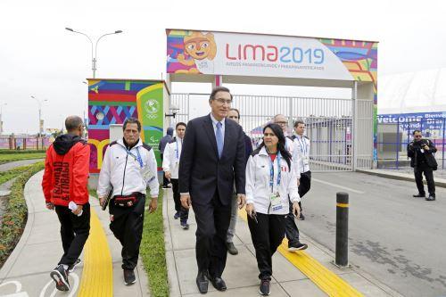Presidente Martín Vizcarra visita la Villa Panamericana