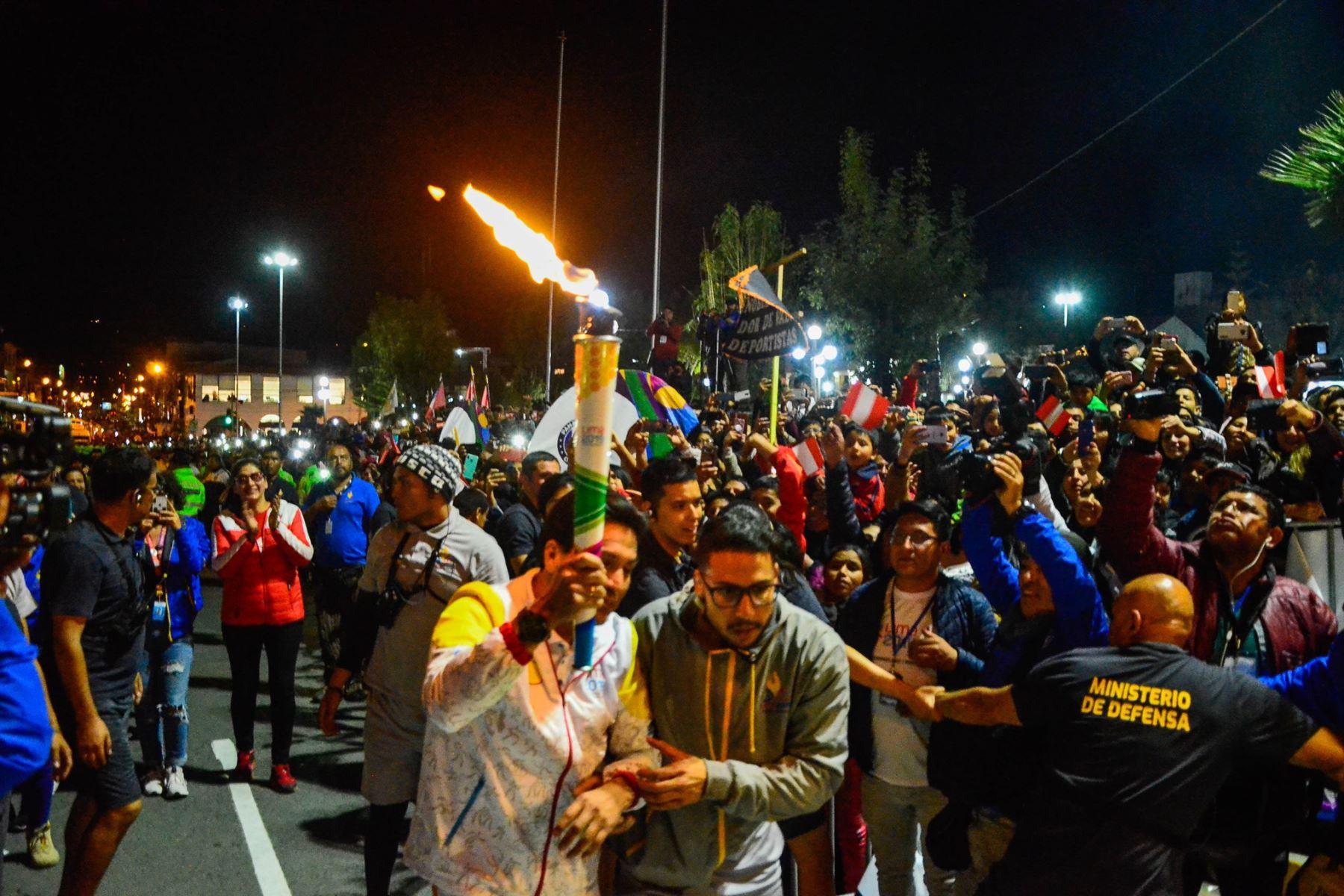 Antorcha Panamericana ilumina la ciudad de Huaraz. Foto: Cortesía/Gonzalo Horna