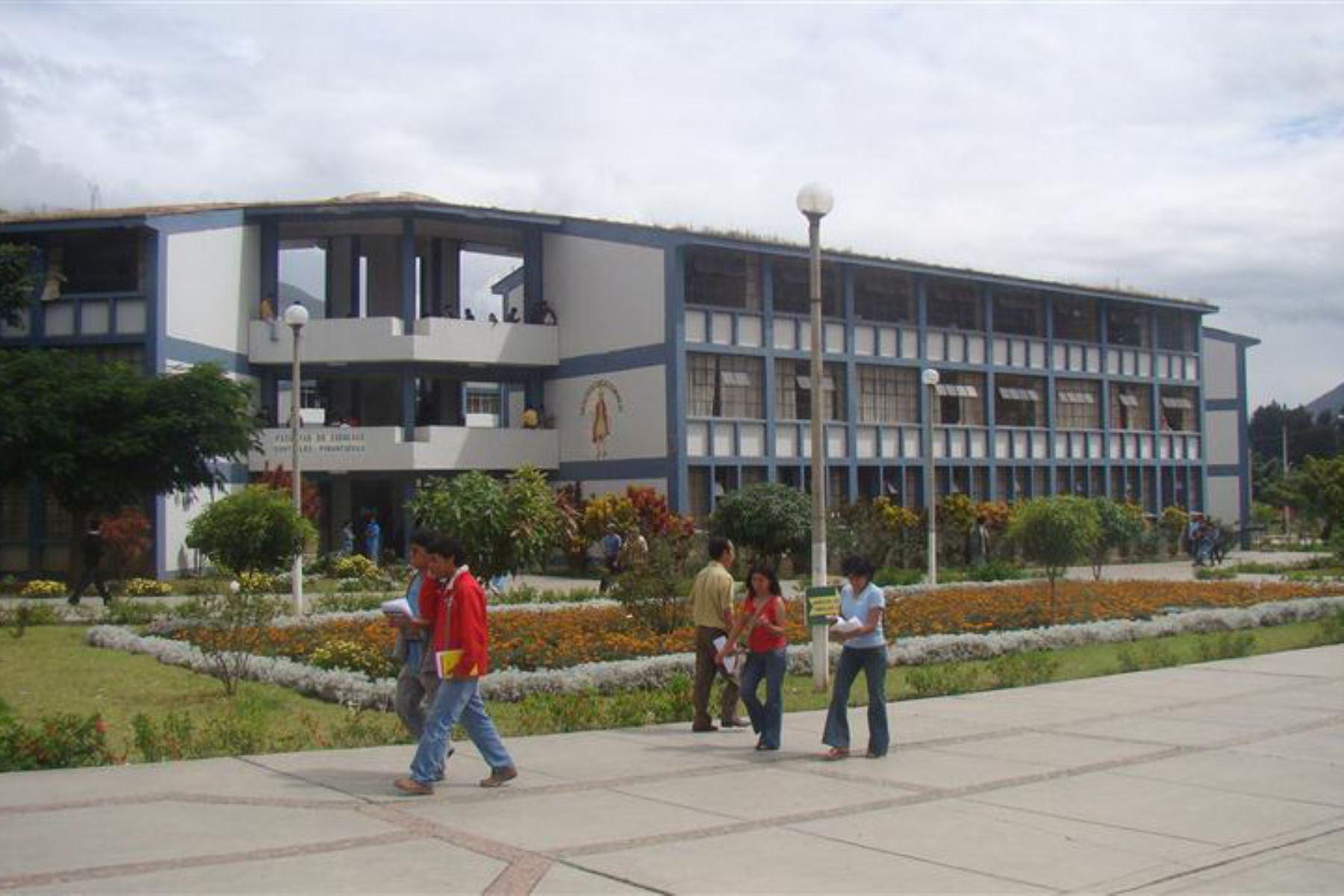 Sunedu otorga licenciamiento institucional a la Universidad Nacional Hermilio Valdizán de Huánuco. ANDINA/Difusión