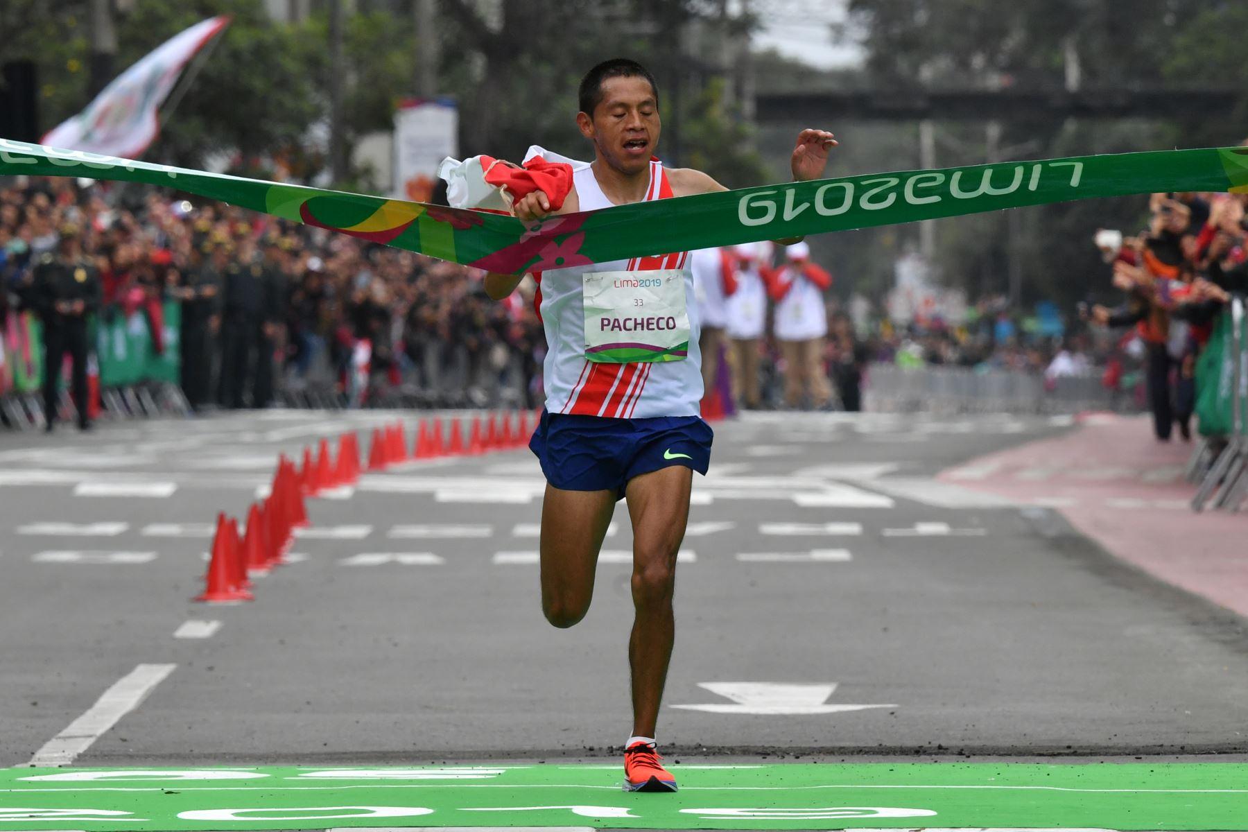 Pacheco ganó la medalla de oro en maratón. Foto: AFP.