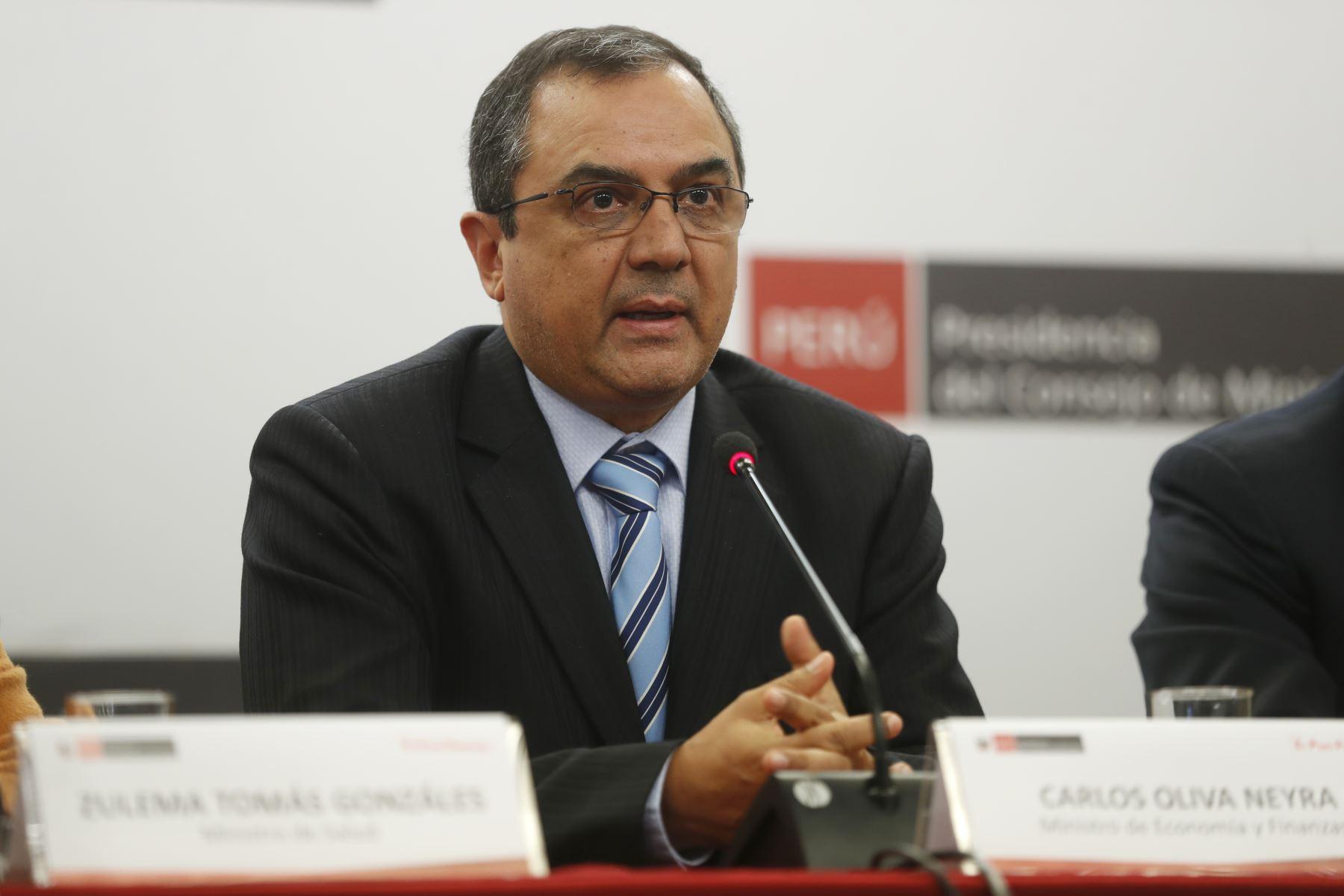 Ministro de Economía y Finanzas, Carlos Oliva. ANDINA/Josue Ramos