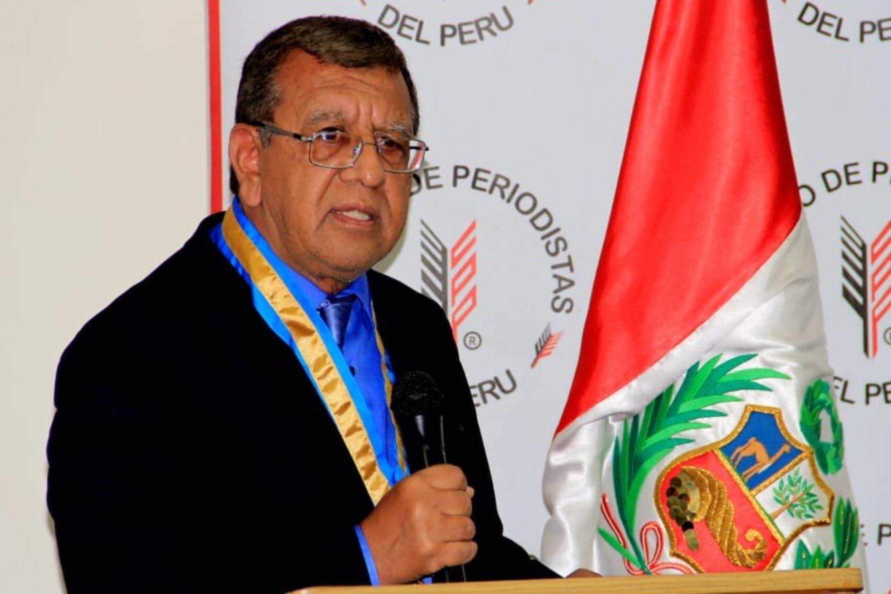 Ricardo Burgos es elegido decano del Colegio de Periodistas del Perú