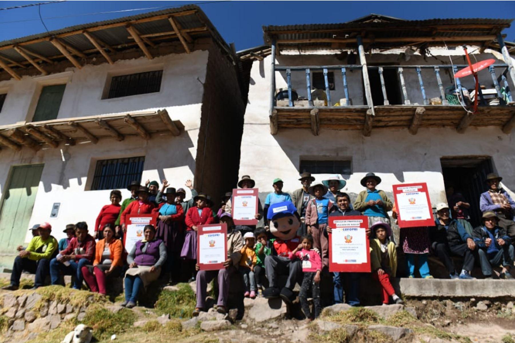 Cofopri entregará más de 5 mil títulos de propiedad en Ayacucho