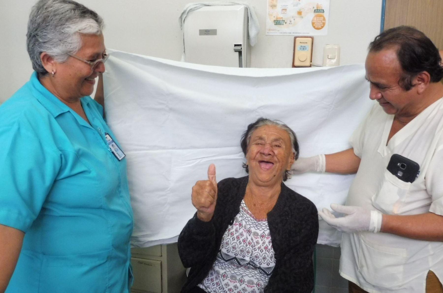 Foto: ANDINA/ paciente en recuperación