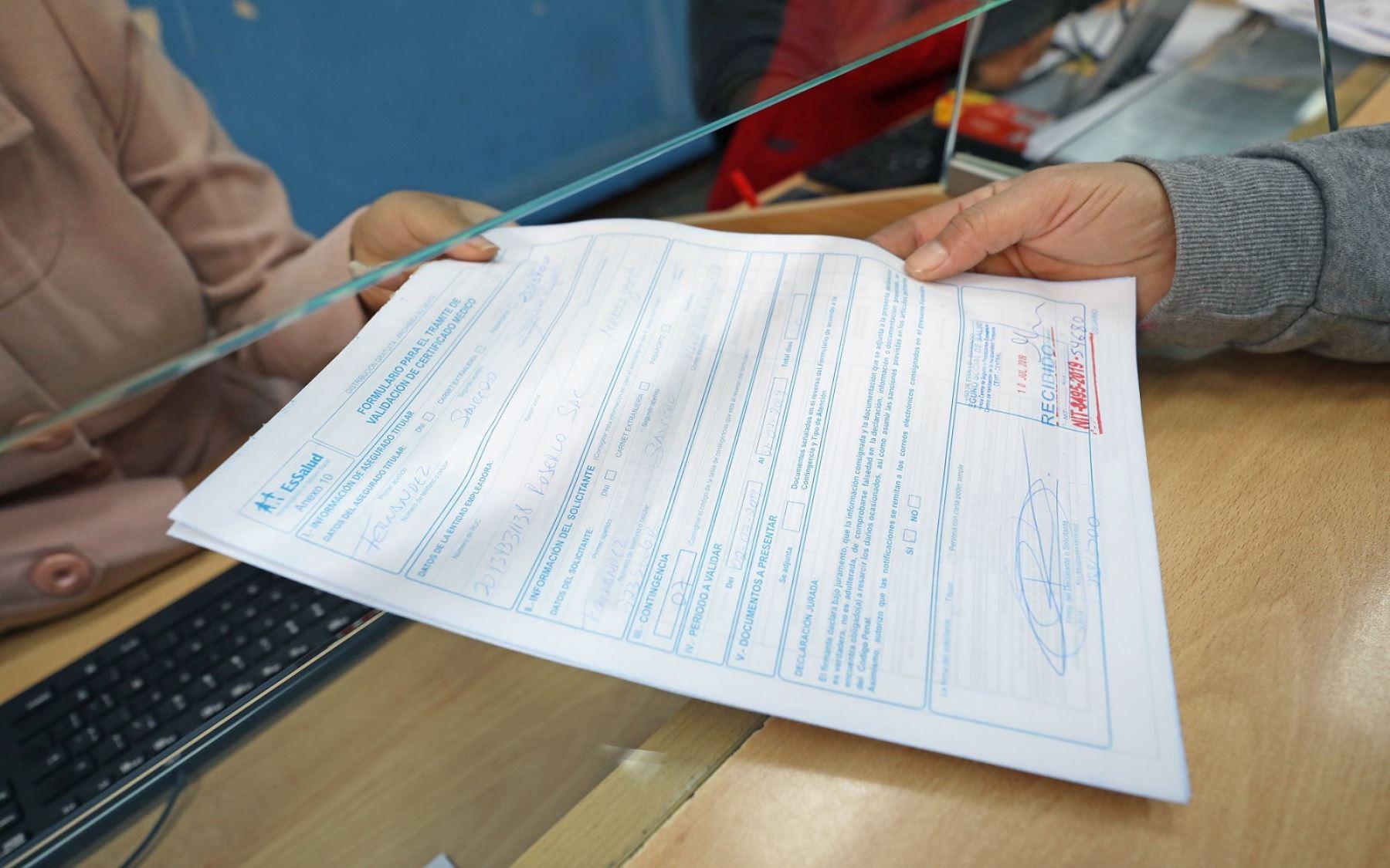 EsSalud validará certificados médicos por maternidad que excedan plazo de presentación oto: EsSalud