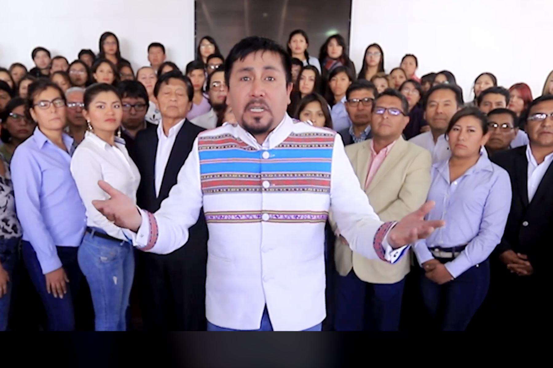 El gobernador regional de Arequipa, Elmer Cáceres, ofreció mensaje por medio de redes sociales. Foto: ANDINA/Difusión