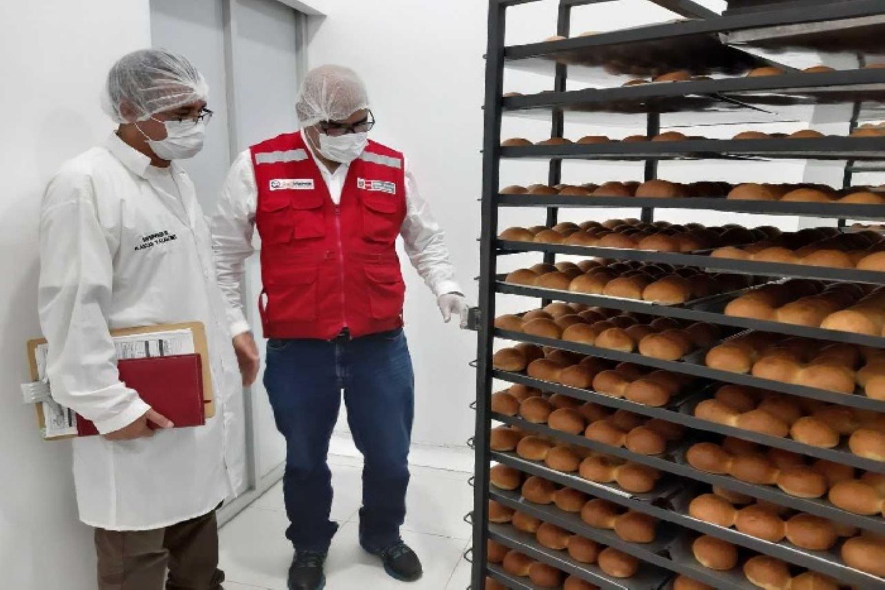 A fin de mejorar los procesos de entrega de alimentos a los diferentes colegios de Lambayeque, el Ministerio de Desarrollo e Inclusión Social (Midis), a través del Programa Nacional de Alimentación Escolar Qali Warma, capacitó al personal de las empresas proveedoras del servicio alimentario en dicha región.