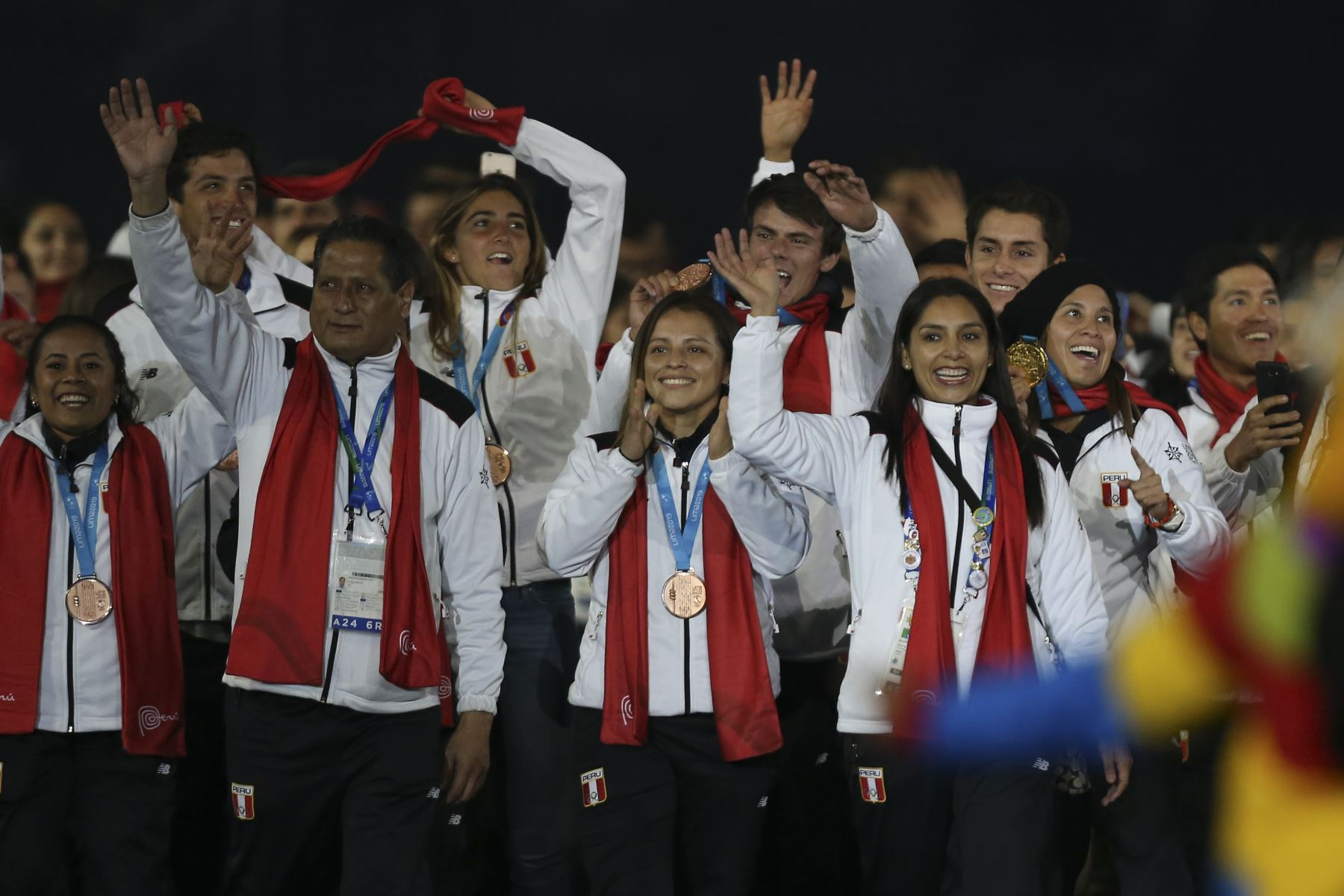 La delegación de Perú participa en el Desfile de las Naciones durante la ceremonia de clausura de los Juegos Panamericanos de Lima 2019 en Lima el 11 de agosto de 2019. AFP