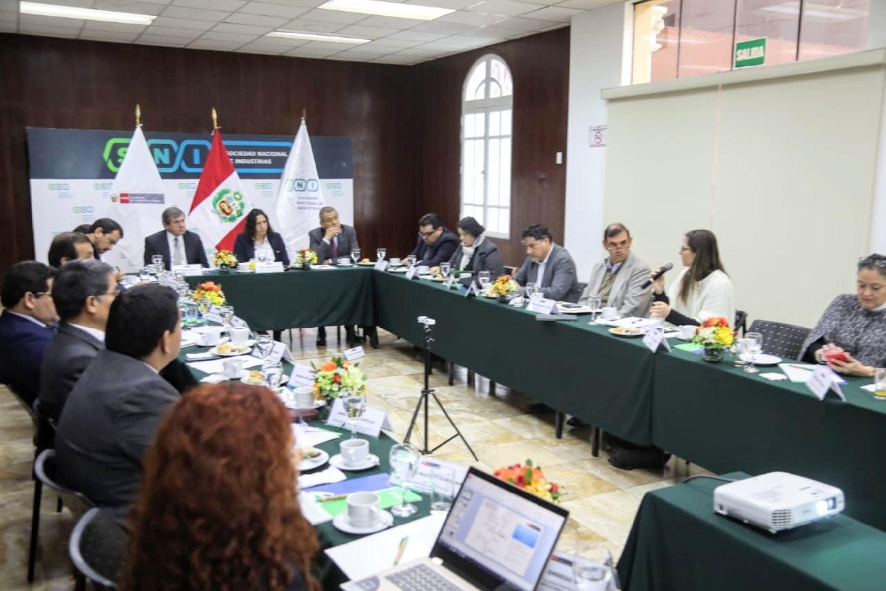 Ministra de Agricultura y Riego, Fabiola Muñoz, lidera Mesa Ejecutiva para la Promoción de la Oferta Agraria Exportable.